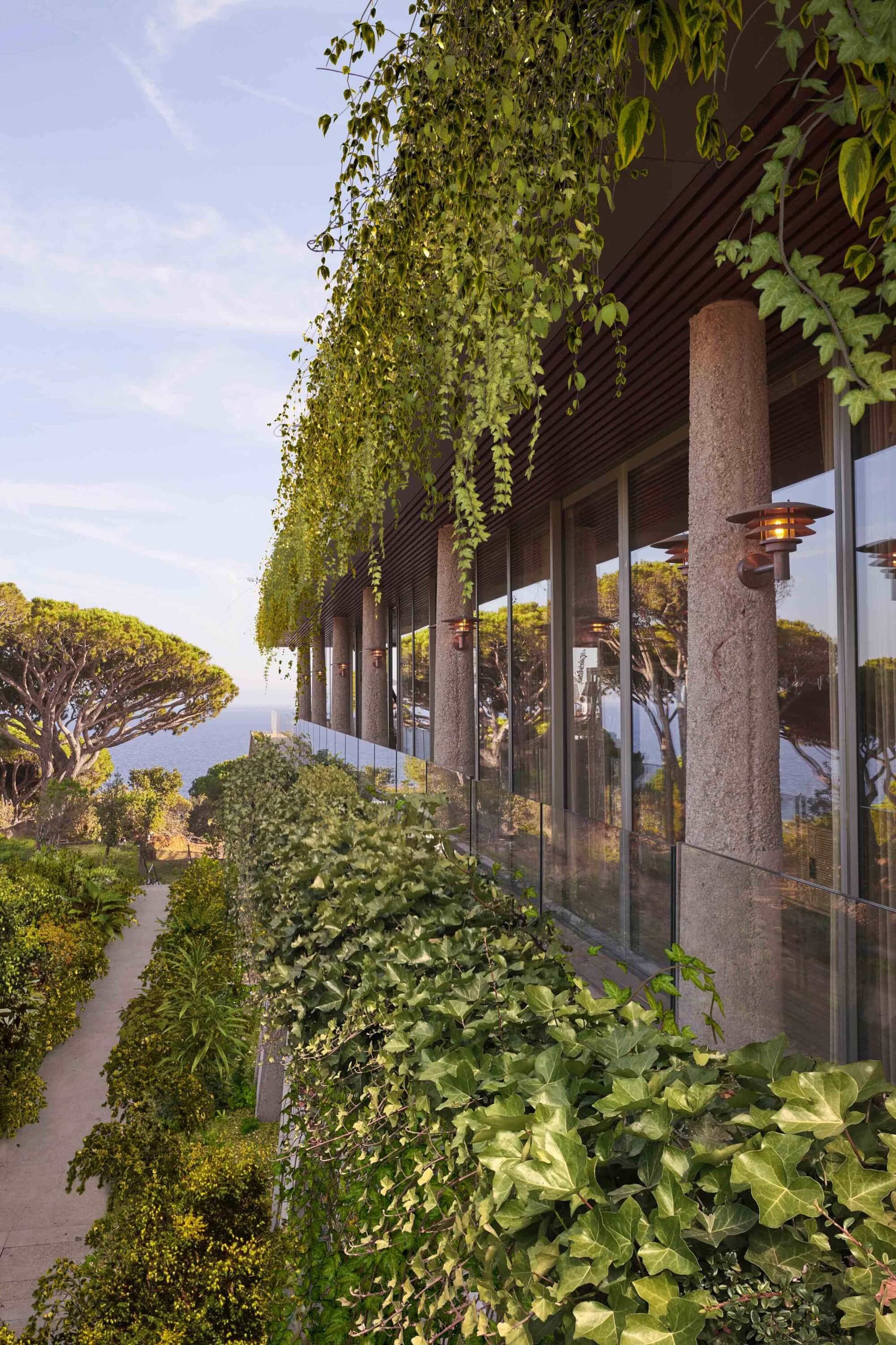 Lily of the Valley on the French Riviera, the latest hotel imagined by Philippe Starck -