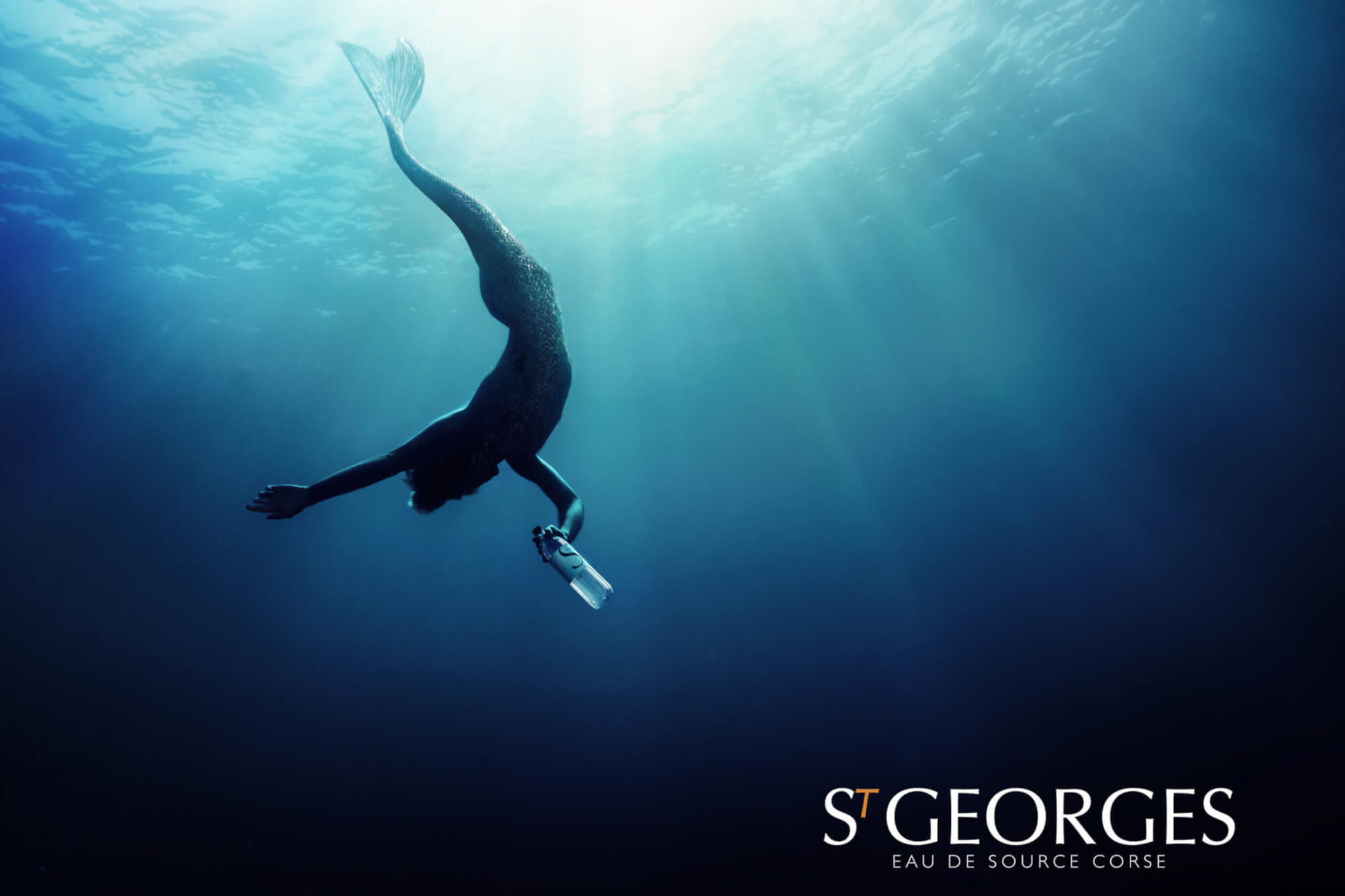 THE NEW VISUAL WATER CAMPAIGN ST GEORGES APPEALS TO INTERNATIONAL DIVE CHAMPIONS IN APNEA AND UNVEILS A POETIC AND TROUBLE MERMAN