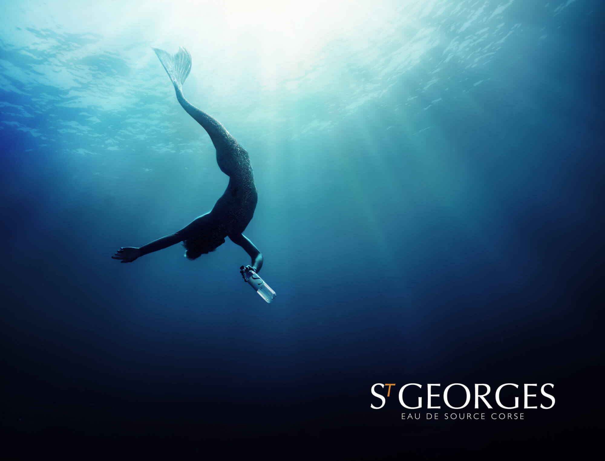 THE NEW VISUAL WATER CAMPAIGN ST GEORGES APPEALS TO INTERNATIONAL DIVE CHAMPIONS IN APNEA AND UNVEILS A POETIC AND TROUBLE MERMAN - Nutrition