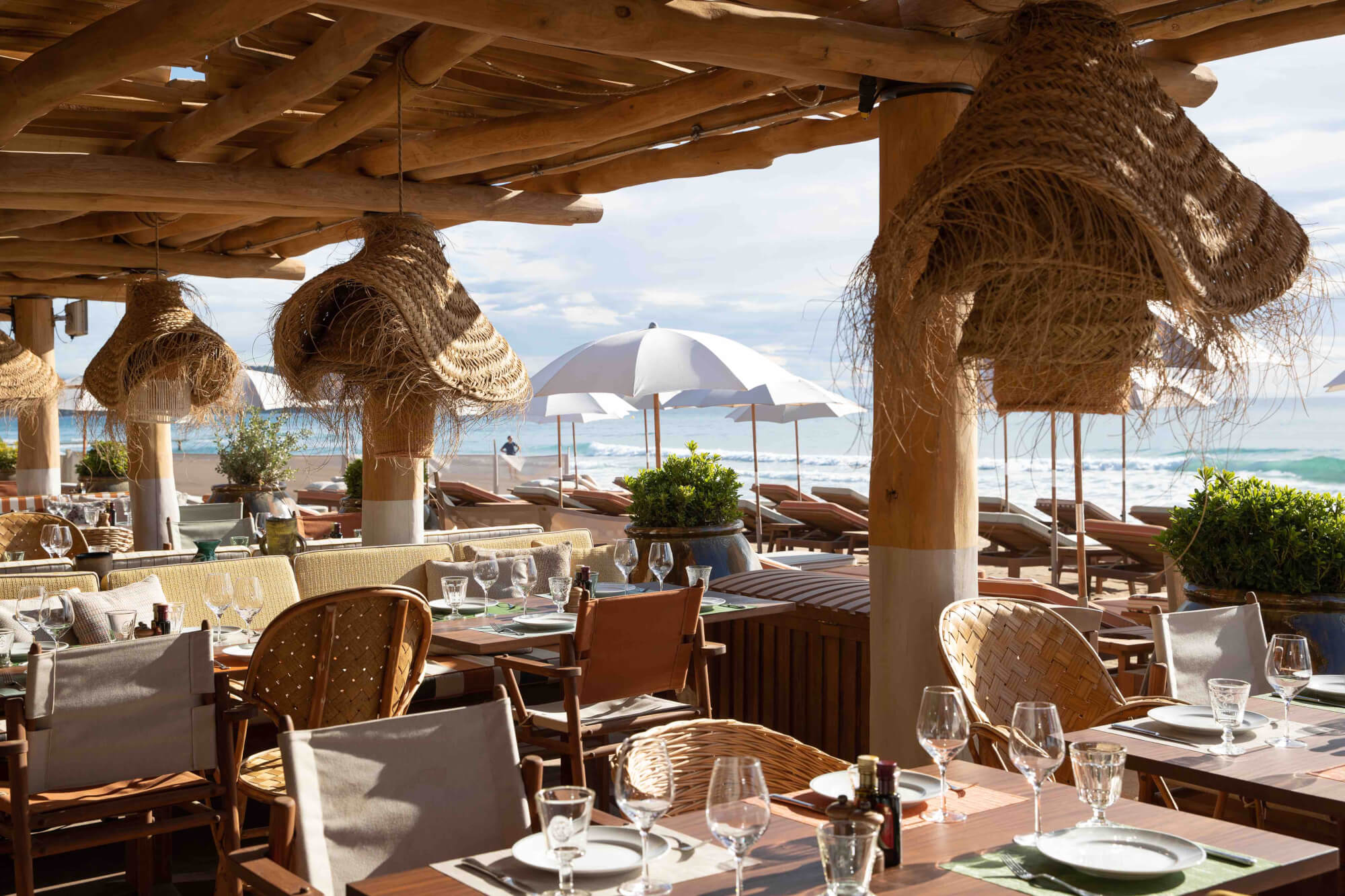 LA RESERVE A LA PLAGE :  A NEW ICON IN SAINT TROPEZ  - Bars Clubs