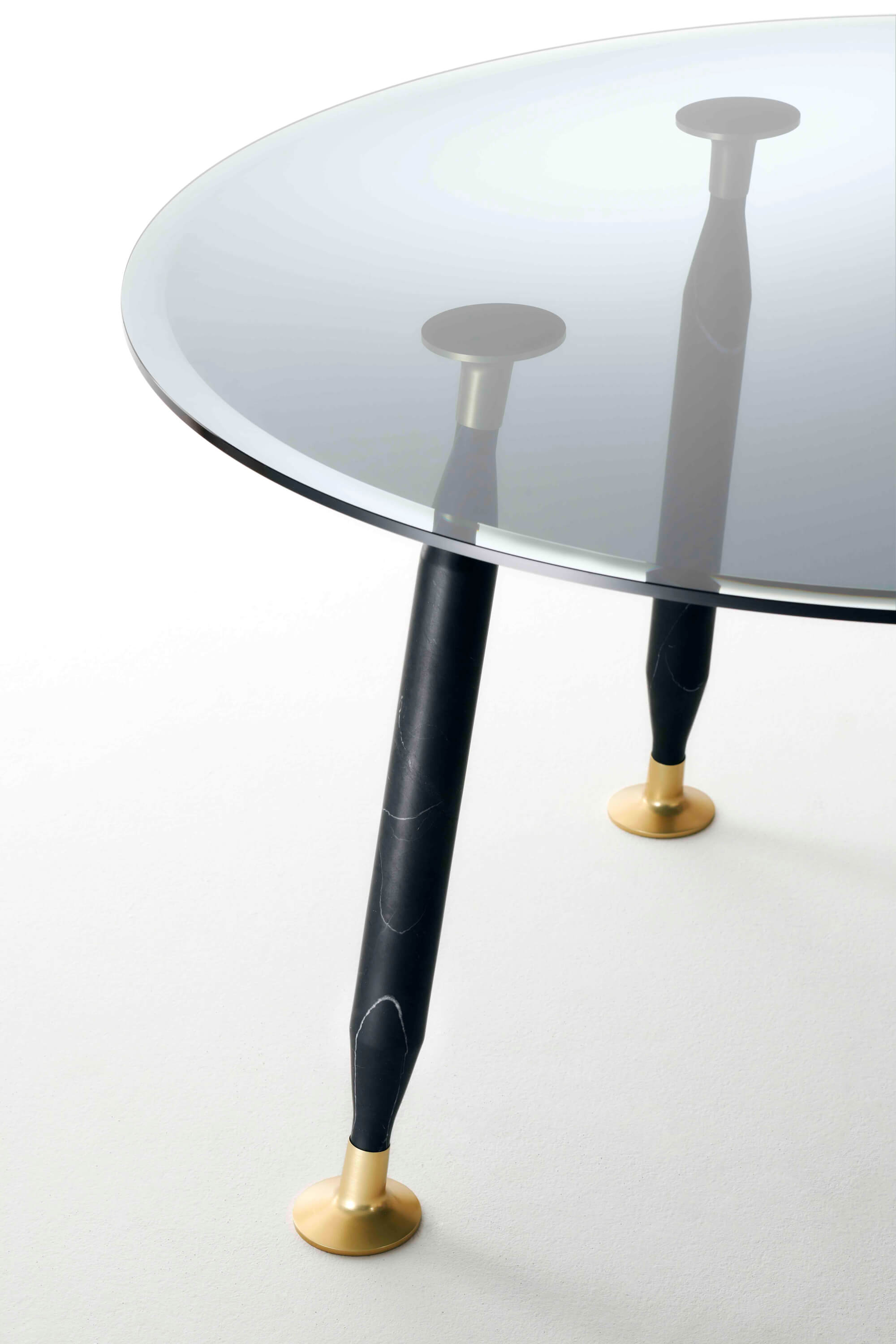 LADY HIO by Starck with S. Schito (GLAS ITALIA) - Tables