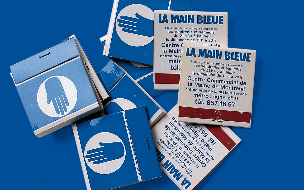 LA MAIN BLEUE - Bars Clubs
